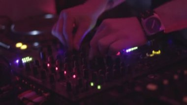 Male deejay playing club music, professional sound equipment — Stock Video