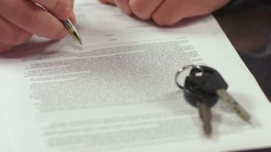 Man signing document, concluding rent agreement, guy buying car — Vídeo de Stock