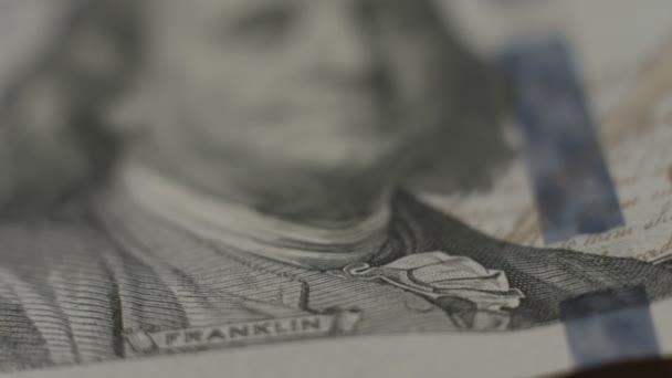 Benjamin Franklin, cien dólares Nota closeup, dinero, Banco — Vídeo de stock