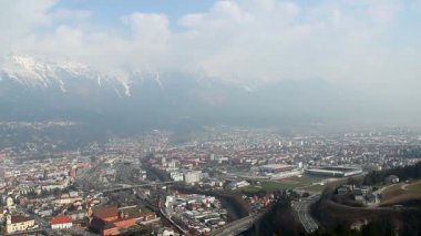 Panorama of big Austrian city Innsbruck, mountains on background — Stock Video