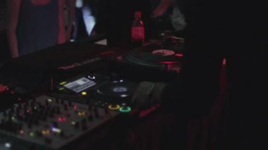 Male deejay playing music, entertaining public at cool nightclub — Stock Video