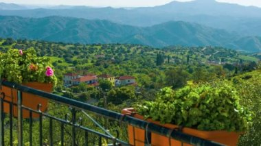 View from luxury villa. Beautiful nature, mountains on horizon. Green tourism — Stock Video