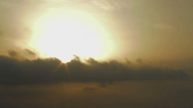 Time-lapse of sunrise. Battle between good and evil. Rays of hope after crisis — Stock Video