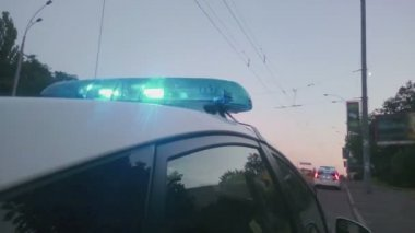 Blue twirling lights of police car, city road accident, crime scene, emergency — Stock Video