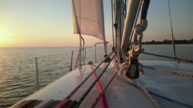 Beautiful sunset over sea, view from sailboat, yachting, luxury hobby, vacation — Stock Video