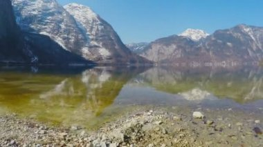 Landscape for meditation, mountains with glacier on peaks, stony bottom of lake — Stock Video