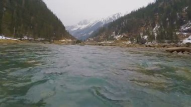 Rapids on mountain river falling in lake of cold fresh water, beautiful nature — Stock Video