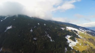 Austrian Alps, thick clouds over mountain peak, high humidity, weather — Stock Video