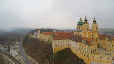 Aerial view, beautiful old catholic abbey courtyard, baroque style architecture — Stock Video