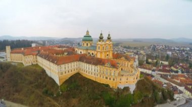 Courtyard of old catholic abbey, beautiful baroque style building, aerial view — Stock Video