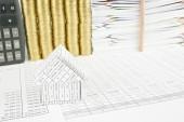 金融家を閉じるアカウントある鉛筆を垂直に配置 — ストック写真