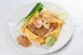 Thai food Pad thai — Stock Photo