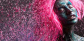 Woman in pink wig — Stock Photo