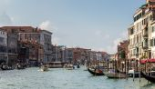 Busy Grand Canal in Venice — Stock Photo