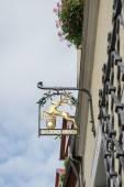 Goldener Hirsch hanging sign in Rothenburg — Stock Photo