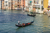 Gondoliers plying their trade on the Grand Canal Venice — Foto Stock
