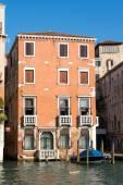 Colourful building in Venice — Foto de Stock