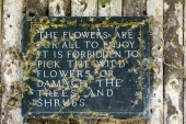 View of an old Sign at Winkworth Arboretum in Hascombe, Surrey U — Stock Photo