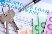 Payment and receipt of keys and mortgage loan agreement — Stock Photo