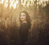 Skönhet romantisk flicka utomhus — Stockfoto