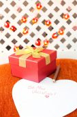Valentine's day gift box with love message. Romantic surprise. — Stock Photo