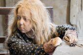 Aarhus, Denmark - April 12, 2015: Medieval poor young girl — Stock Photo