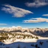 Mañana en la pista de esquí — Foto de Stock