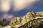 Vent sur le sommet de la montagne — Photo
