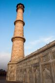 One of the four Taj Mahal's minaret — Stock Photo