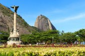 Mountain Sugarloaf General Tiburcio square Monument, Rio de Jane — Stock Photo