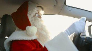 圣诞老人驾驶-交通堵塞 — 图库视频影像