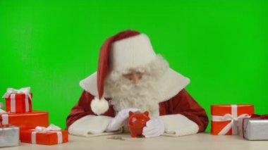 Santa's Tip: Buy Clever, Save Money — Stock Video