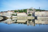 Soane river view with cathedrals Saint-Georges and Fourviere in — Stock Photo