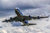 Takeoff Boeing 747-400F Air Bridge Cargo — Stockfoto