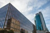 Mirrors modern building — Stock Photo