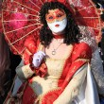 Woman in Venetian costume at Venice carnival — Stock Photo #53219009
