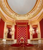 Polish king's throne in Warsaw Palace — Stockfoto
