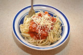 Bowl of Linguini with Fresh Parmesan Cheese — Foto de Stock