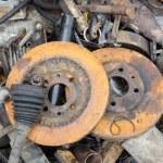 役に立たない、錆びたブレーキ ディスク磨耗 — ストック写真 #77595164
