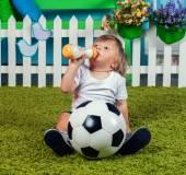Mały piłkarz — Zdjęcie stockowe