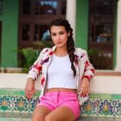 Hermosa mujer joven — Foto de Stock