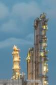 Column tower in petrochemical plant at twilight — Stock Photo