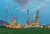 Oil refinery plant in night ,Thailand — Stock Photo
