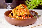 Spaghetti alla puttanesca (selective focus) — Foto de Stock