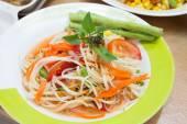 Som tum, thai papaya salad — Stock Photo