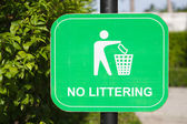 Do not litter Signs — Stock Photo