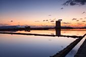 Colorful sunset over Trapani salterns — Stock Photo
