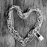 Chain heart shape with master key lock — Stock Photo #56207689