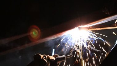 Welding and bright spark,industrial construction , HD Clip — Stock Video