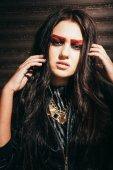 明るい化粧と長い髪の少女 — ストック写真